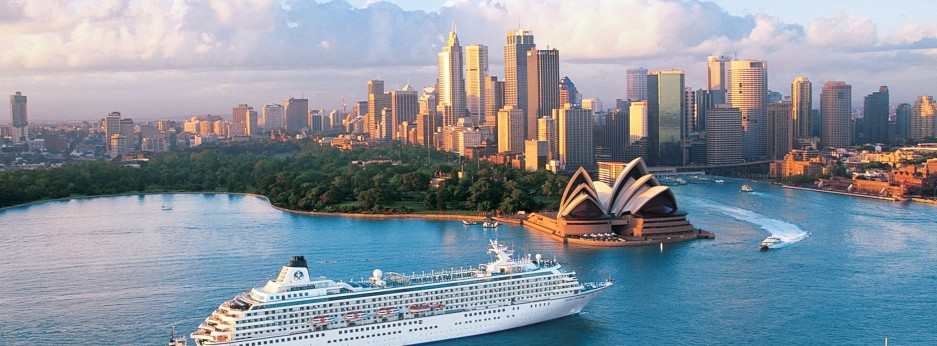 Crystal Symphony arriving in Sydney Harbour