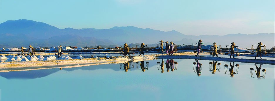 Fish Farm on the Mekong Voyage of Discover tour, courtesy of Indus Experiences