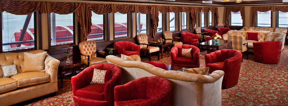 The Paddlewheel Lounge, The Queen of the Mississippi, APT river cruises in the USA